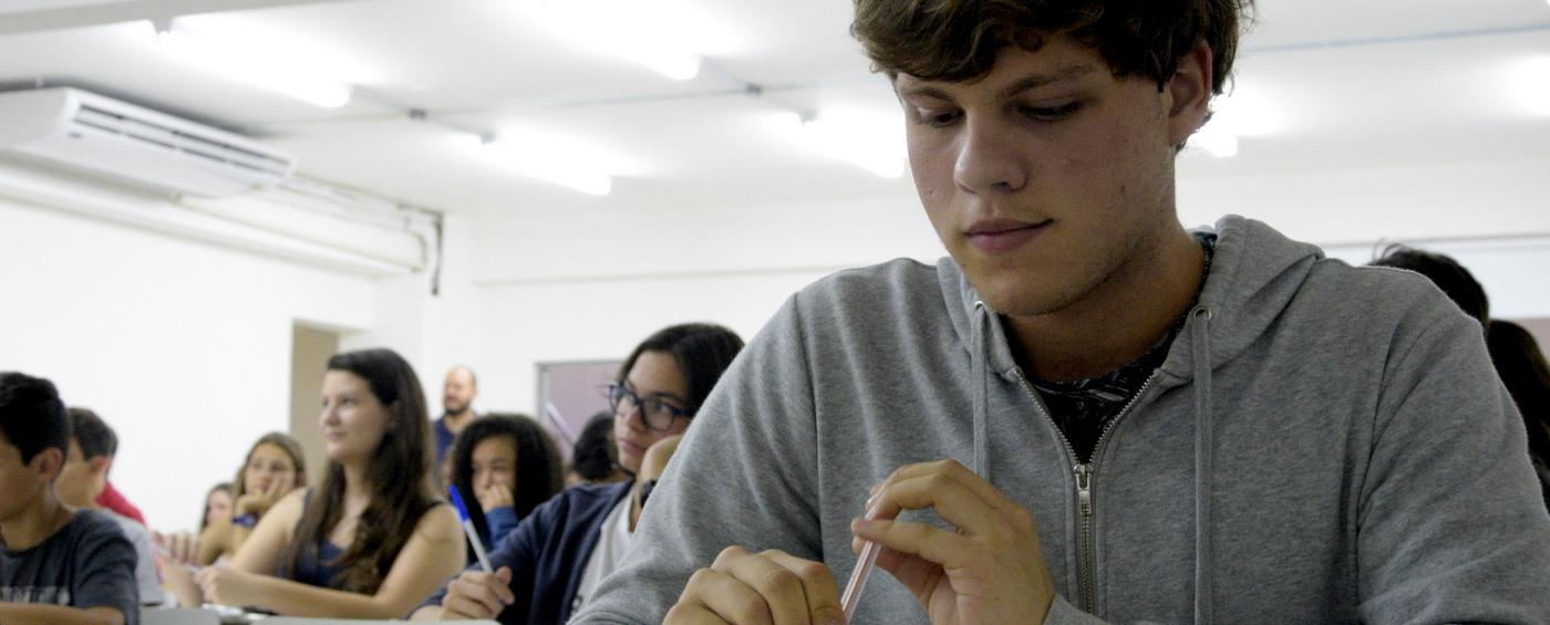 Concurso de bolsa: Um ensino médio para a vida