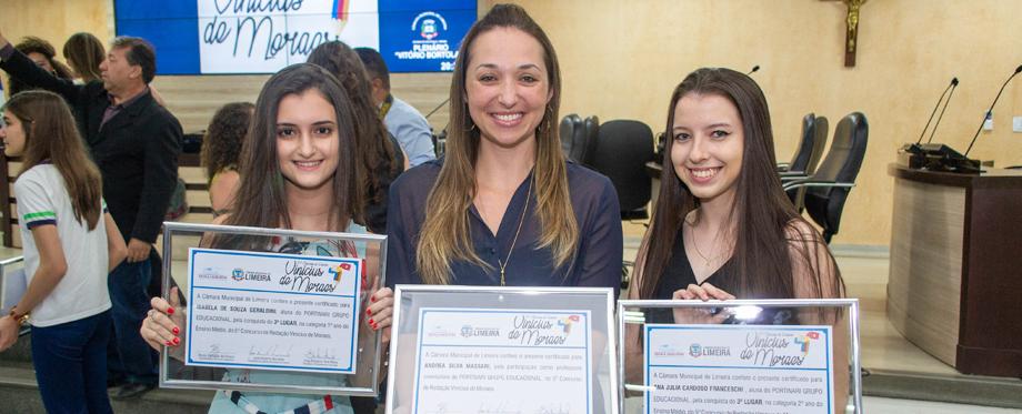 Alunas do Portinari são premiadas no 5º Concurso de Redação Vinícius de Moraes