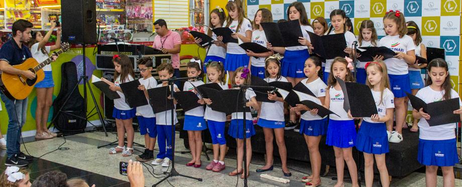 Apresentação das oficinas de Canto e Coral e Flauta 2018