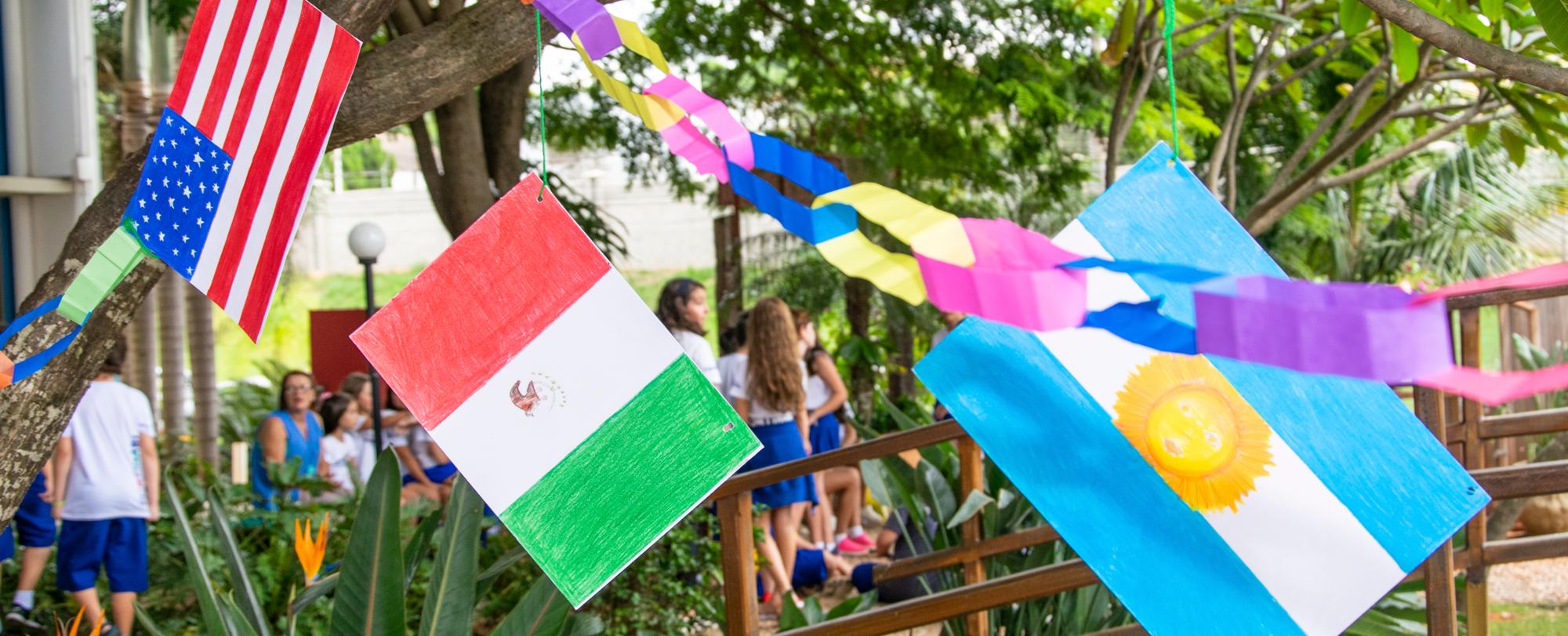 """Festa dos Aniversariantes do 5º ano com o tema """"Países"""""""