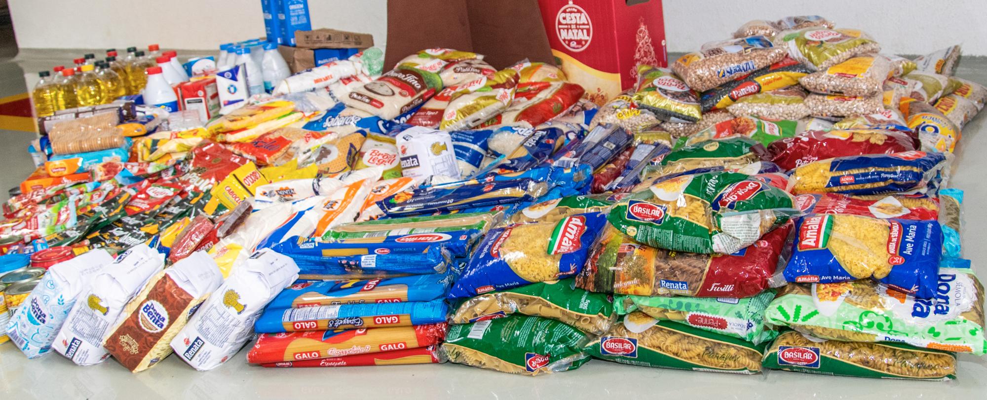 Ensino Fundamental celebra o Thanksgiving Day com doação de alimentos e ceia comunitária