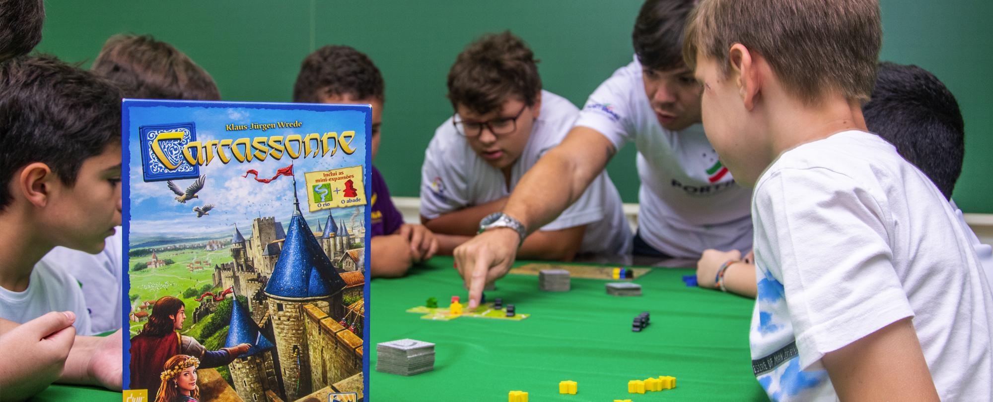 """Jogos de tabuleiro são objetos de estudo na oficina """"Portigames"""""""