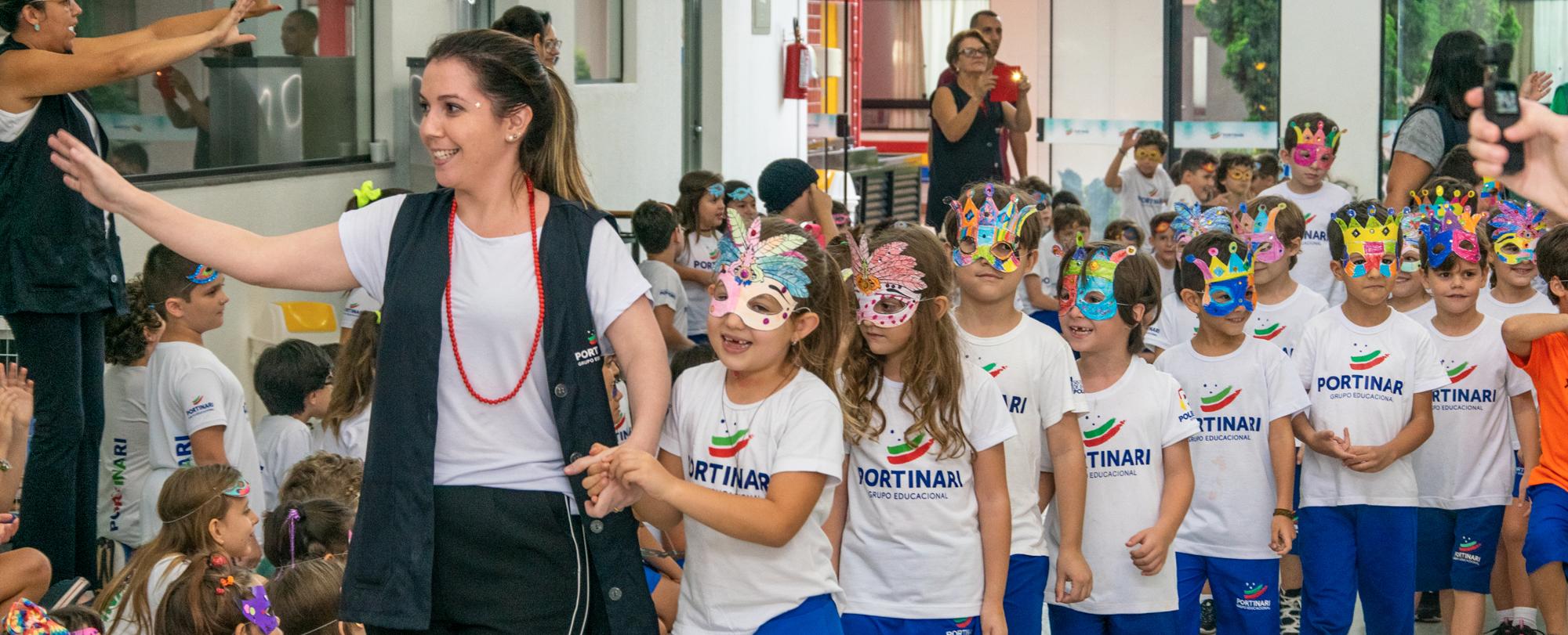Desfile de Máscaras agita o Ensino Fundamental I
