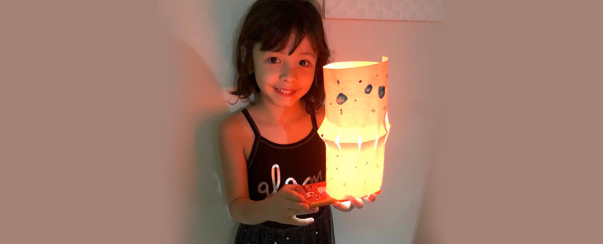 """Alunos do 1º ano produzem os próprios """"balões"""" de Festa Junina"""